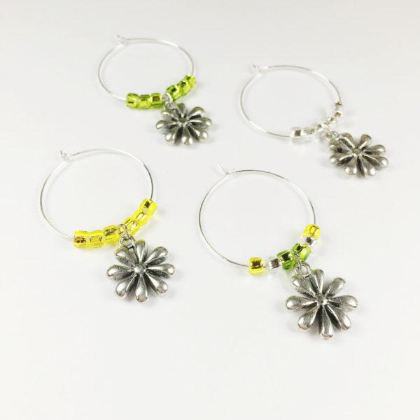 daisy wine charms, flower wine charms, wine charms daisy, daisy decor, wine charms daisies