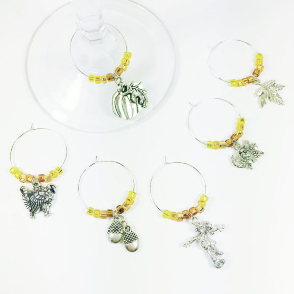 thanksgiving wine charms, thanksgiving wine glass charms, fall wine charms, thanksgiving dinner table decoration, thanksgiving dining table decorations, thanksgiving table decorating, table décor for thanksgiving, inexpensive thanksgiving table decorations, decorations for thanksgiving table