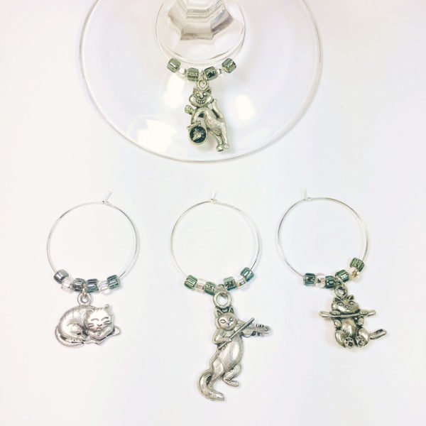 cat lover wine charms includes 4 different cat wine charms surrounded by gray and silver beads