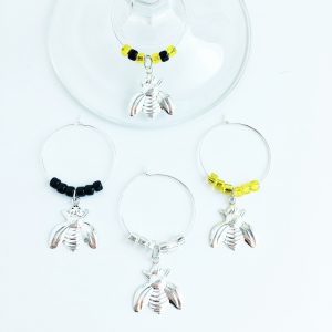 see of 4 bee wine charms